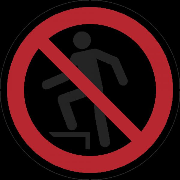 Aufsteigen verboten ISO 7010-P019